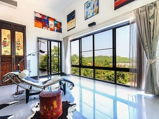 Big 3 storey Sea View 4 Bedrooms Villa, Talat Nuea