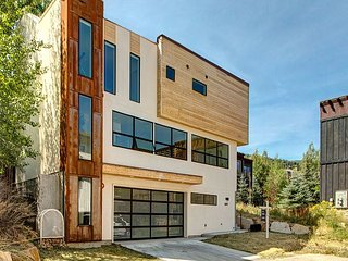 Sleek Modern House in Park City, Minutes from Deer Valley Resort