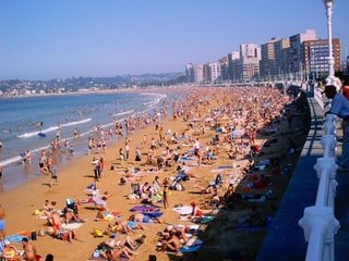 Apartamento céntrico a 50 metros de la playa., Gijón
