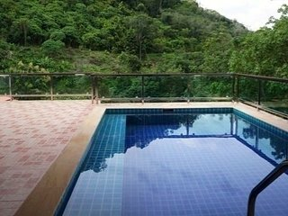 Brand new 5 BR villa with sea view at Chalong Hill