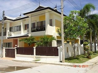 2 storey 3 bebdroom townhouse in Laguna area, Cherngtalay