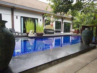 4 bedroom pool villa Near Naiharn beach