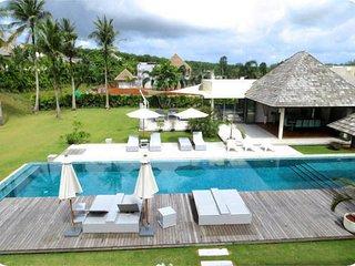 Modern 4 bedroom villa in Layan, Nai Thon