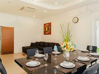 4 Bedroom Villa Chalong