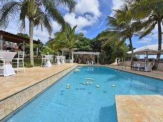 Hacienda Villa Bonita, private pool, Sleeps 50!, Isabela