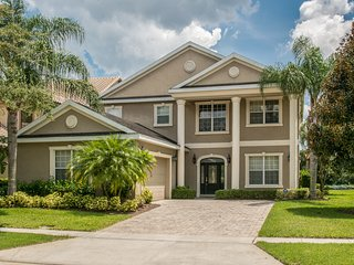 4BR Luxury Home W/Pool  in Reunion Resort Nr Disn, Kissimmee