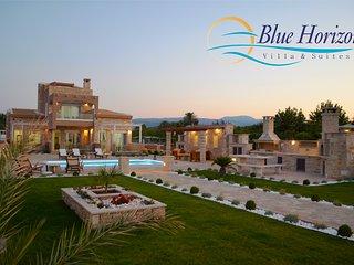BLUE HORIZON MAIZONETTE, Siteia