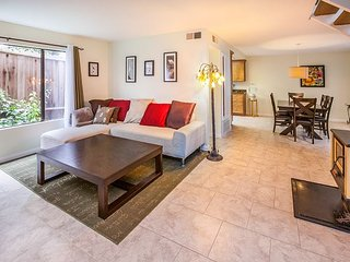Best Priced 3 bedroom Near the Beach, Corona del Mar