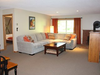 Fully Renovated North Conway Condo