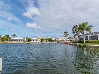 431 Edgewater Ct. - Gorgeous Waterfront 3 Bed 2 Bath Home, Marco Island