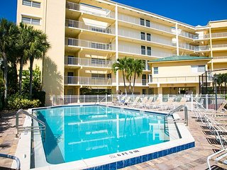Top floor condo, steps away from JW Marriott and Beach Access!!