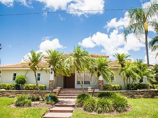 1780 Barbados Ave. - Gorgeous Direct Access Home, Isla Marco