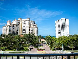 San Marco Residences #508 - 1 Bed Direct Beach Access, Isla Marco
