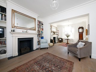 Grand Stunning Glorious Central London Townhouse