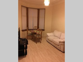 Mount Florida 2-Beds Glasgow Apartment