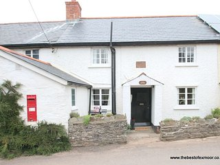 Syms Cottage, Cutcombe - Characterful and cosy cottage sleeping up to 4 on Exmoo