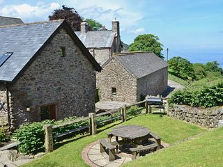 Yenworthy Mill, Countisbury - Yenworthy Mill sleeps 10 guests in a stunning location on the Exmoor coastline, Oare