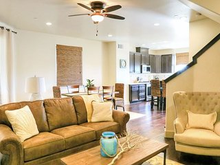 Dreamy Beach Condo * Ocean Views * Roof Top Patio with Bbq * 3 Bdrm * Sleeps 6 ~ RA86412, Pismo Beach