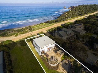 HAPPY DAYS SURF HOUSE - very close to the beach