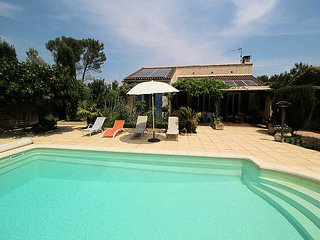 Orgon Bouches-du-Rhone, Villa 6p quiet area, private pool