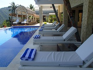 Villa Umbrella Lombok - Poolside Apartment, Batu Layar