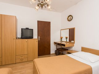 Guest House Lina-Triple Room with Sea View (No.1)