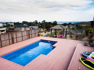 City View - Mount Martha Luxury Retreat with Pool, Melbourne