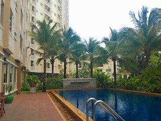 Highest Suite + Pool, Gym, Net 30/10 at Phuket Town