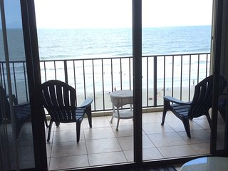 Charming Oceanfront Vacation Condo with a Pool, My