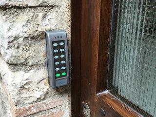 Codice per entrare....privacy