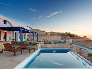 The Blue Monkeys Desiterra Luxury Suites and Villas