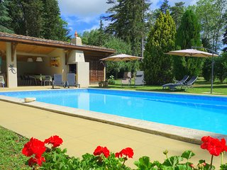 Nr. Carcassonne. Large Country House with Heated Pool & 9 Bedrooms. Mirepoix
