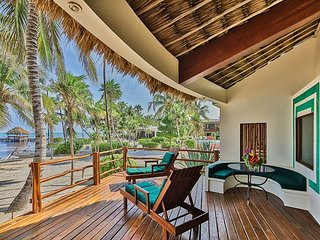 2 Bedrooms - 2 Bathrooms - Luxury Beachfront Villa