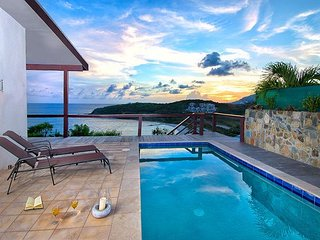 Modern House overlooking  beach and ocean. Pet friendly, Sint Maarten