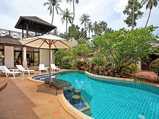 Homely 4 bed villa 20m from beach, Koh Samui