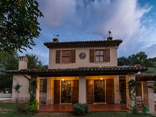 Villa Louise Umbria connects families with Italy!