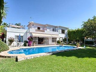 Villa in Porto Banus, Marbella, 300 meter to beach, Puerto Banus