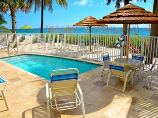 "By The Sea Vacation Villas LLC-""Villa Seaward B"" OCEANFRONT HTD POOL+PRVT BEACH!, Lauderdale by the Sea"