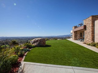 Private 8-Acre Oasis at Dragon Point Villa, Fallbrook