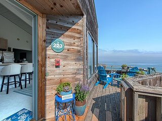 3731 Baylights by the Sea ~ Perched High Above the Ocean ~ Spectacular Views!