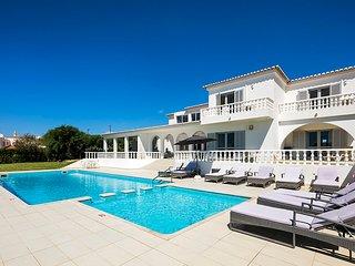 Vivenda Lucas - Wheelchair friendly 6 bedroom property close to Albufeira, golf and beaches., Guia