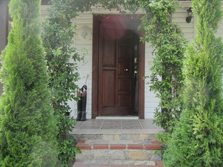 WHITE HOUSE, Sapanca