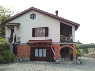 panoramico appartamento in collina, Acqui Terme