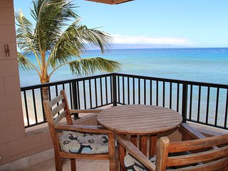 Spectacular 1 Bedroom Oceanfront Corner Unit on Ka, Lahaina