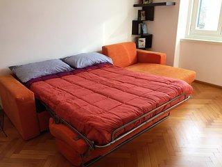 Comodo e ampio divano letto per due persone