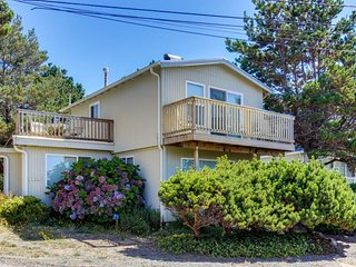 Dog-friendly coastal retreat w/ ocean views, easy beach access & more!, Gleneden Beach