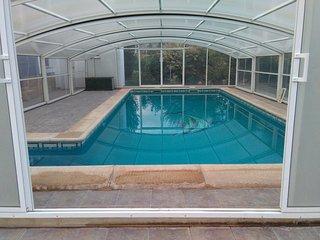 Apartamento con parcela y piscina cubierta privada, Albalate de las Nogueras
