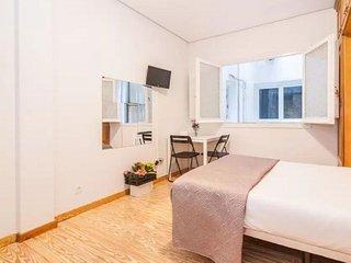 Petit Real II  apartment in Opera {#has_luxurious…, Madrid