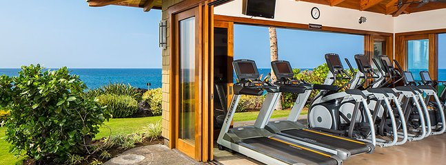 180 degree view of the ocean from workout pavilion