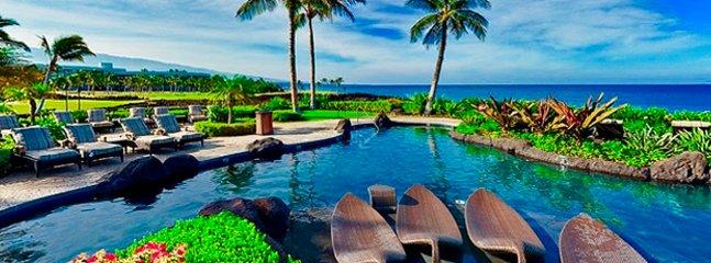 Hali'i Kai Beach Club pool with ocean view